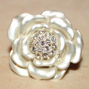 Silver Rhinestone Flower Stretch Ring